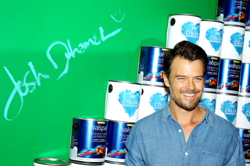 "Josh Duhamel Lends a Hand for VALSPAR ""Hearts and Hand"" for Habitat, Celebrity Charity Auction Benefitting Habitat for Humanity Disaster  Response Programs"