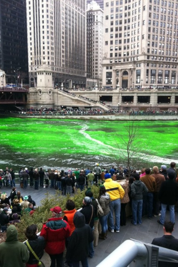 Chicago_River_St_Patricks_Day