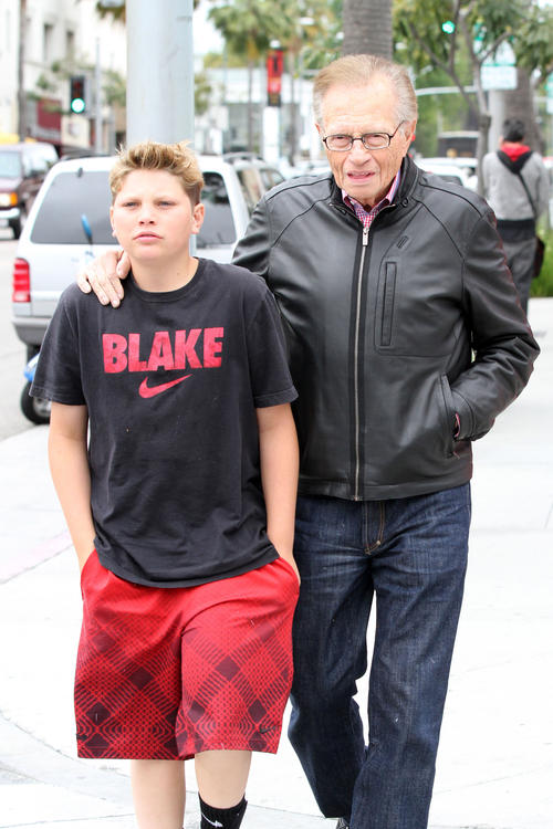 Larry King and son do lunch at Nate 'n Al's